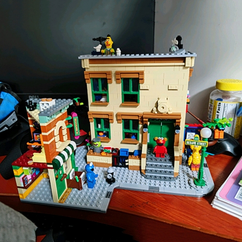 Ideas Cartoon 123 Sesame Street Moc Model Modular 1367cs Street View Model Building Blocks Bricks 6622 21324
