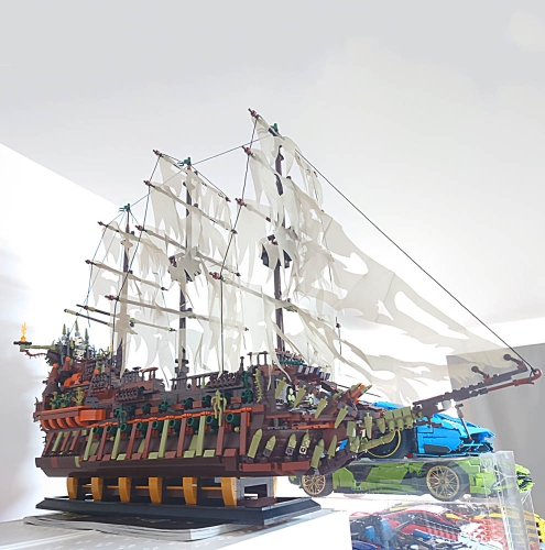 Pirates Of The Caribbean The Flying Dutchman Ship Boat 3653Pcs YX13138 Moc Model Modular Building Blocks Bricks Toys